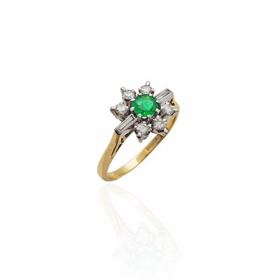 Diamond Petaled Emerald Flower Ring (18K)