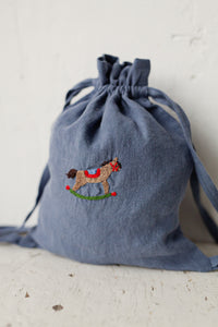 Linen Backpack 23x28cm (Dusty Blue /rocking horse)1
