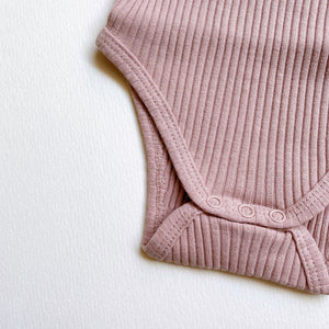 The Ribbed Short Sleeve Onesie /Mauve