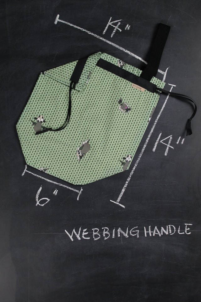 Sweater Project Bag in Green Peek Sheeple