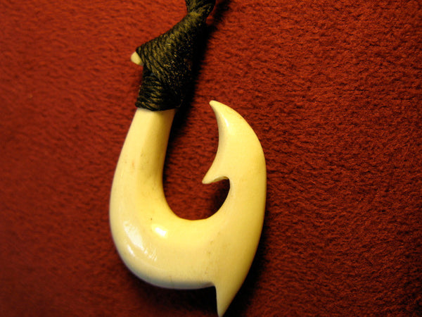 Hawaiian Fish Hook Antler 1
