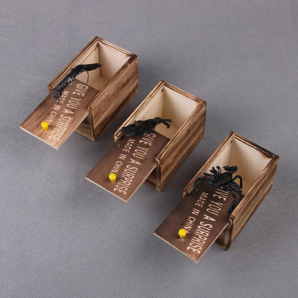 Prank  Inset Wooden Scare Box Trick Play Funny Novelties Toys
