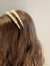 Load image into Gallery viewer, Mini Pearls Headband