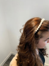 Load image into Gallery viewer, Gold Pearl Headband