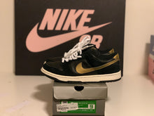 Load image into Gallery viewer, Takashi 1 Dunk Low size 9