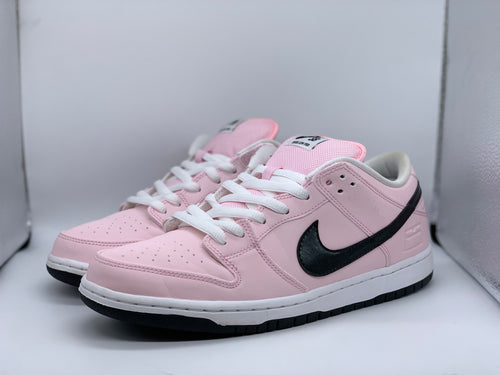 Pink Box Dunk Low size 9.5