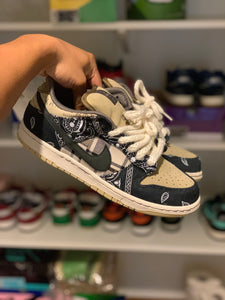 Travis Scott Dunk Low size 9