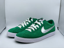 Load image into Gallery viewer, Supreme green Bruins size 9