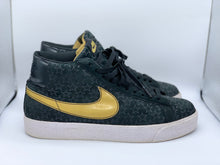Load image into Gallery viewer, Trickster Blazers size 9.5