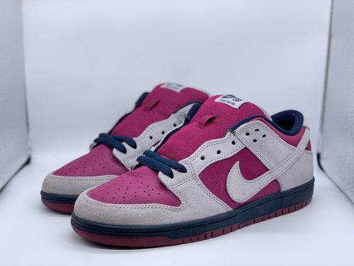 True Berry Dunk Low size 8