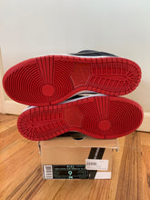 Load image into Gallery viewer, Nike sb Levi hyperstrike size 9.5 DEADSTOCK