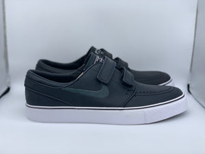 Velcro janoski blue box size 9 (DS)