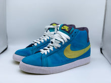 Load image into Gallery viewer, Nike sb blazers size 5.5 preowned