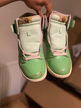 Load image into Gallery viewer, Statue of Liberty Dunk High size 8.5