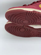 Load image into Gallery viewer, Ron burgundy Dunk Low size 4