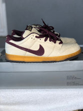 Load image into Gallery viewer, Mahogany Hemp Dunk Low size 9.5