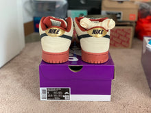 Load image into Gallery viewer, DS Hennessy Dunk Low size 9