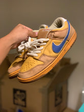 Load image into Gallery viewer, New castle Dunk Low size 10.5 (BEAT)