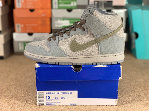 TaunTaun Dunk High size 10 DS