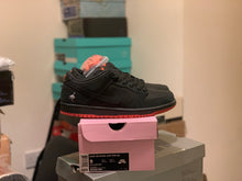 Load image into Gallery viewer, Black Pigeon Dunk Low size 9 (DS)