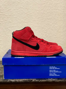 Red Devil Dunk High size 9