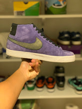 Load image into Gallery viewer, Purple Blazer size 9
