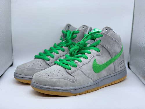 Silver Box Dunk High size 9.5 (DS)