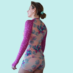 Load image into Gallery viewer, Rash Guard For Women in Peach Tropical Rhapsody Back