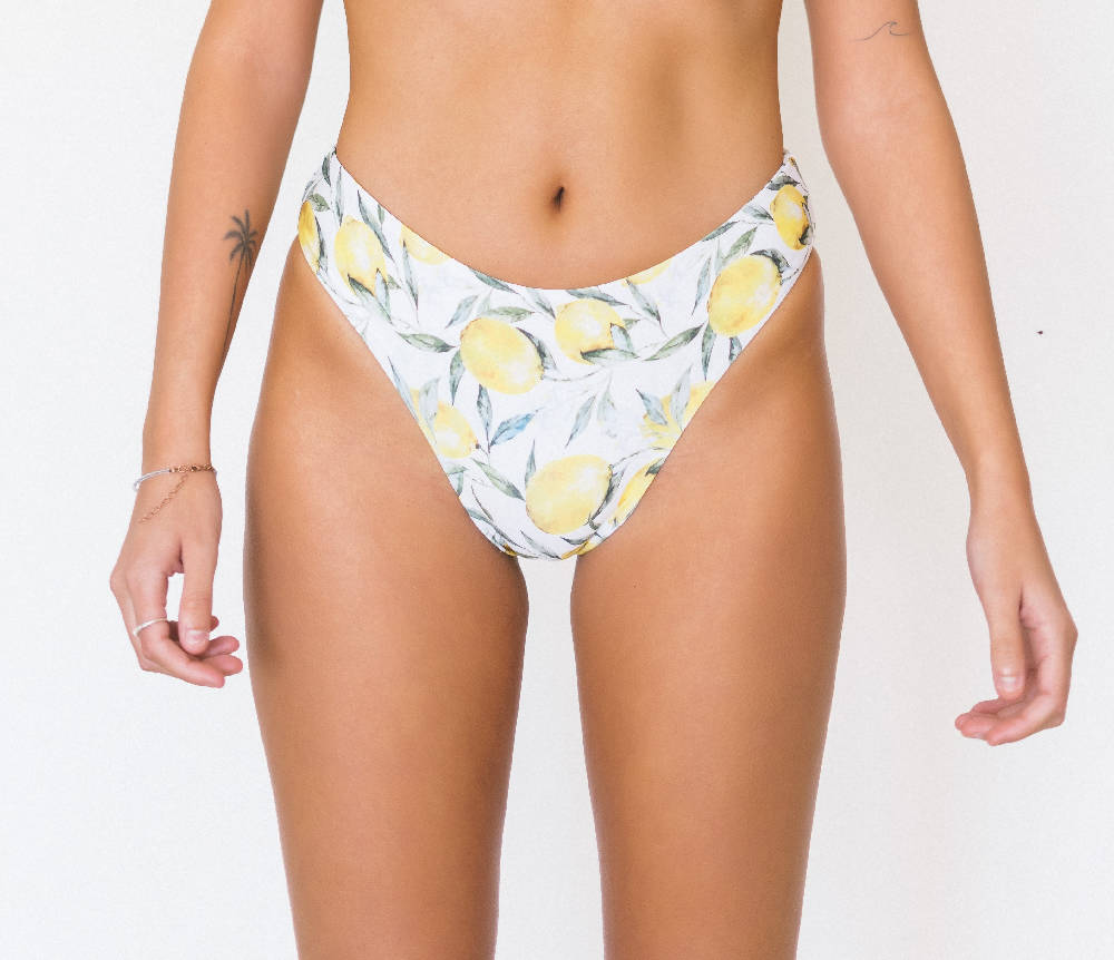 Load image into Gallery viewer, Sporty Bottom Lemon Front