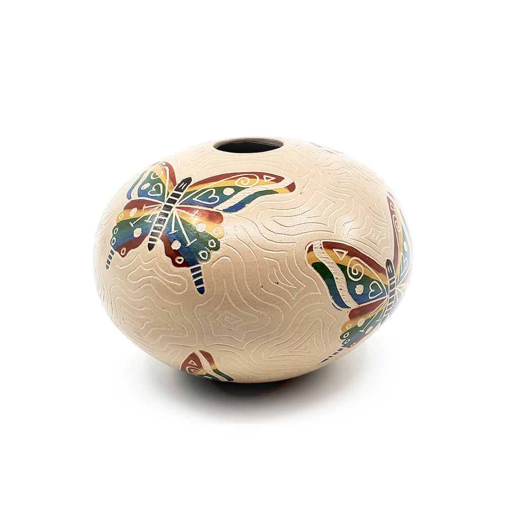 Medium Mata Ortiz Pot - Incised Butterfly
