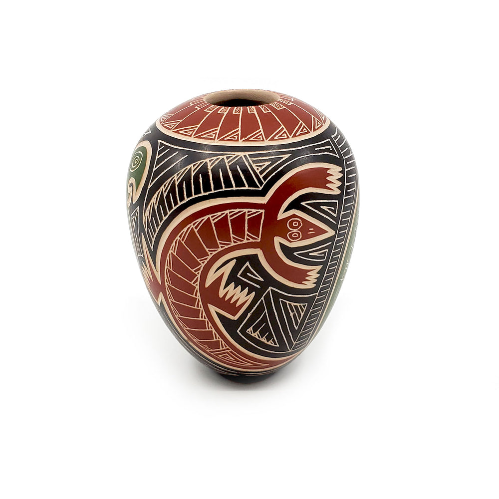 Medium Mata Ortiz Seed Pot - Tapered, Incised Parrot & Lizard vase