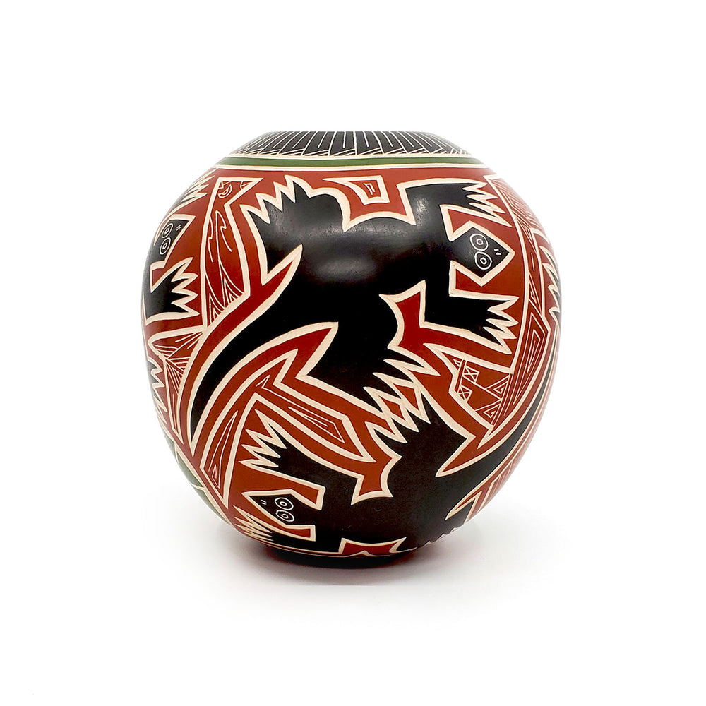 Mata Ortiz Pot - Lizard with Feather Design Opening