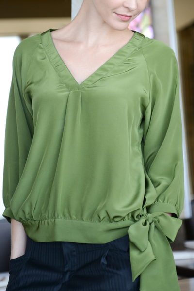 Crepe de chine silk top with V neck and long sleeve (Abigail)