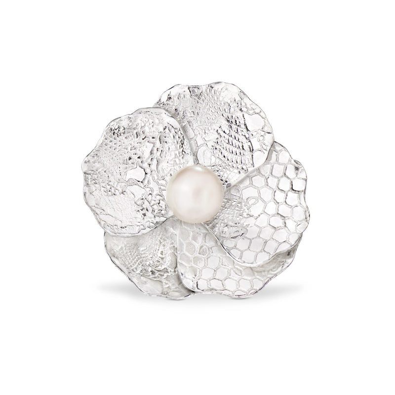 Blossom ring with Akoya pearl