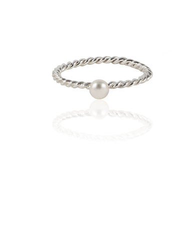 Thread XO Ring with pearl