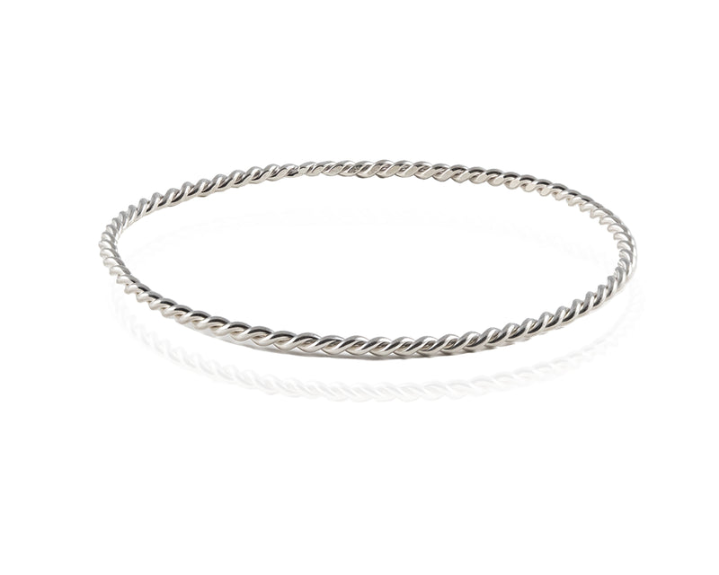 Thread XO Oval Bangle