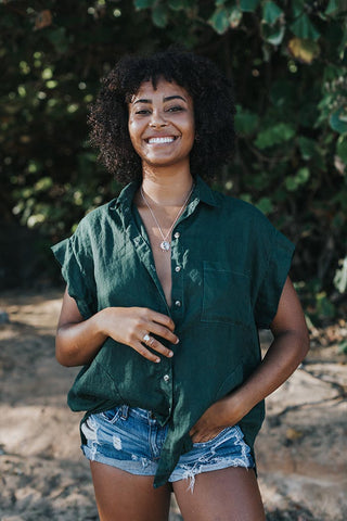 100% linen hunter green button up front blouse with pockets short sleeves comfy and casual day to night look summer essentials hand sewn haiku maui wings hawaii women's outfits tops blouse