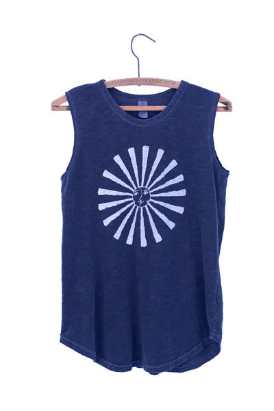wings hawaii screen printed gray muscle tank with sun moon printed on front