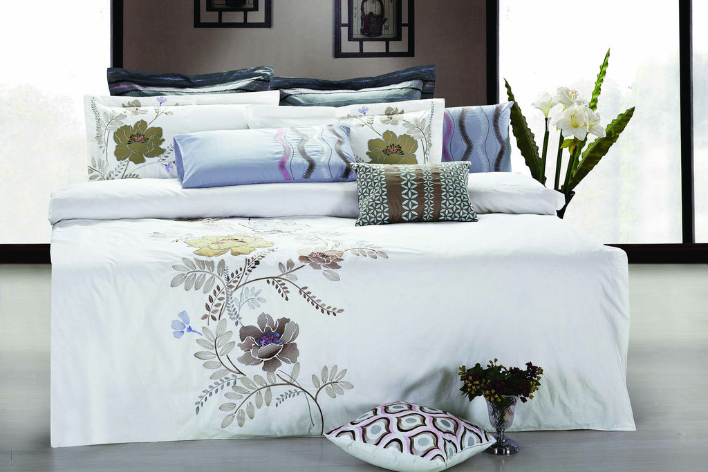 Bed Sheet Set White And Flower Embroidery - large - 1