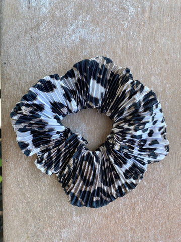 Leopard Print Ruched Scrunchie