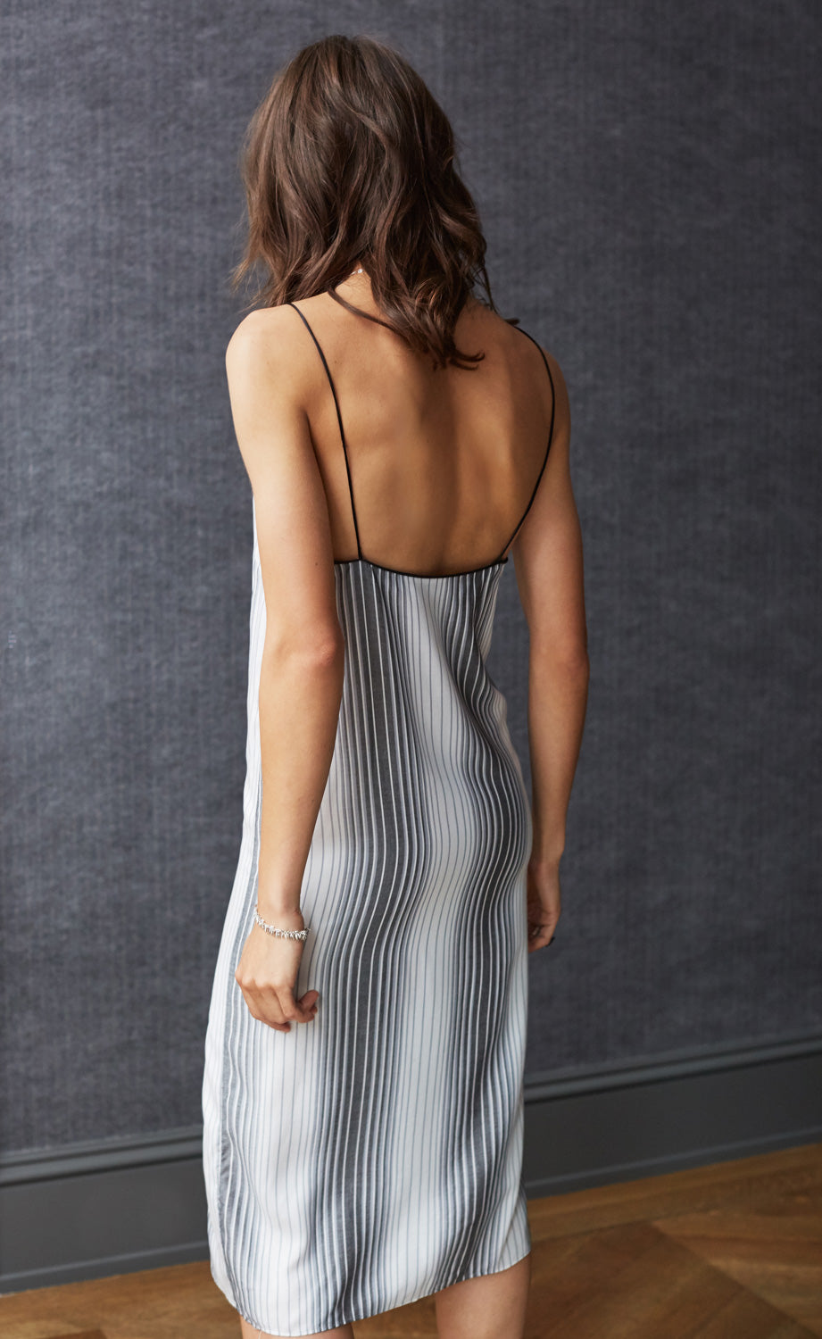 SAG HARBOR SLIP DRESS GREY STRIPE