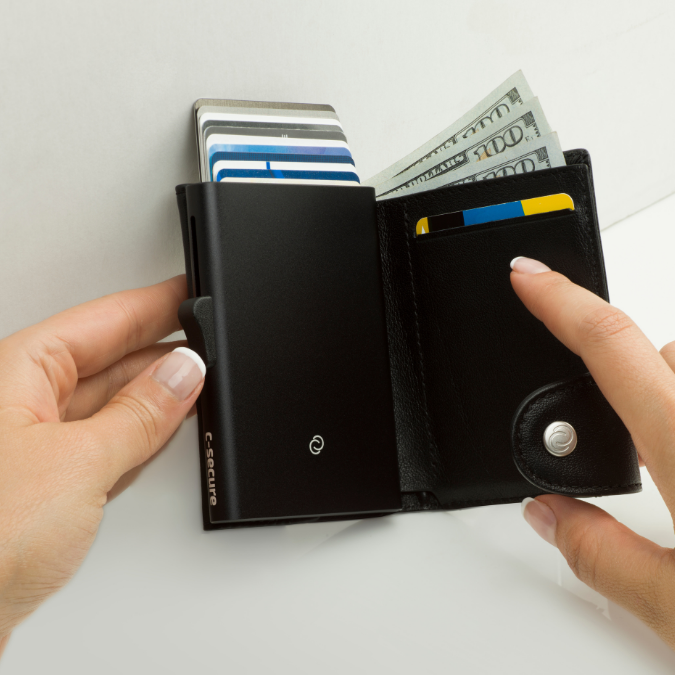 Full Black Wallet + Coin
