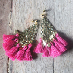 boucles d'oreilles fait main made in france chandelier pompons pampilles boho chic bohemian gypset français ethical fashion fuchsia
