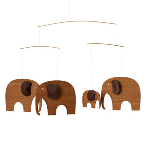 Mobile「Elephant Party」Teak Wood by Flensted · €200 · Arts & Entertainment > Hobbies & Creative Arts > Arts & Crafts · FLENSTED · CURATED BY EYEDS | eyeds.se