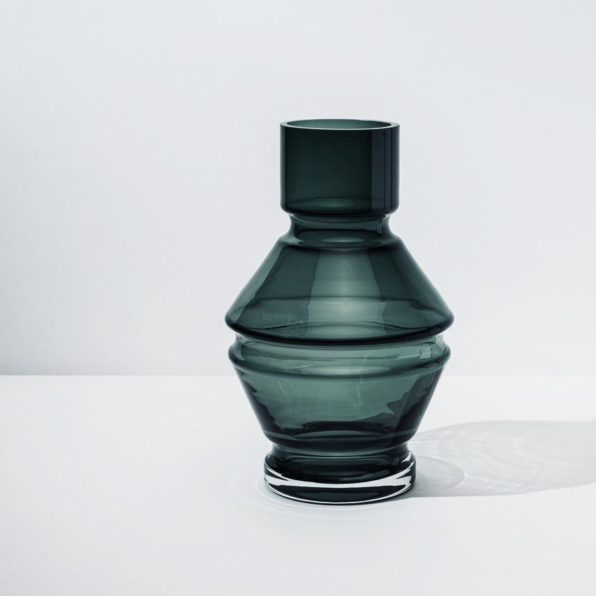 Large Vase「Relæ」Glassware by Raawii · €80 · Home & Garden > Decor > Vases · RAAWII · CURATED BY EYEDS | eyeds.se