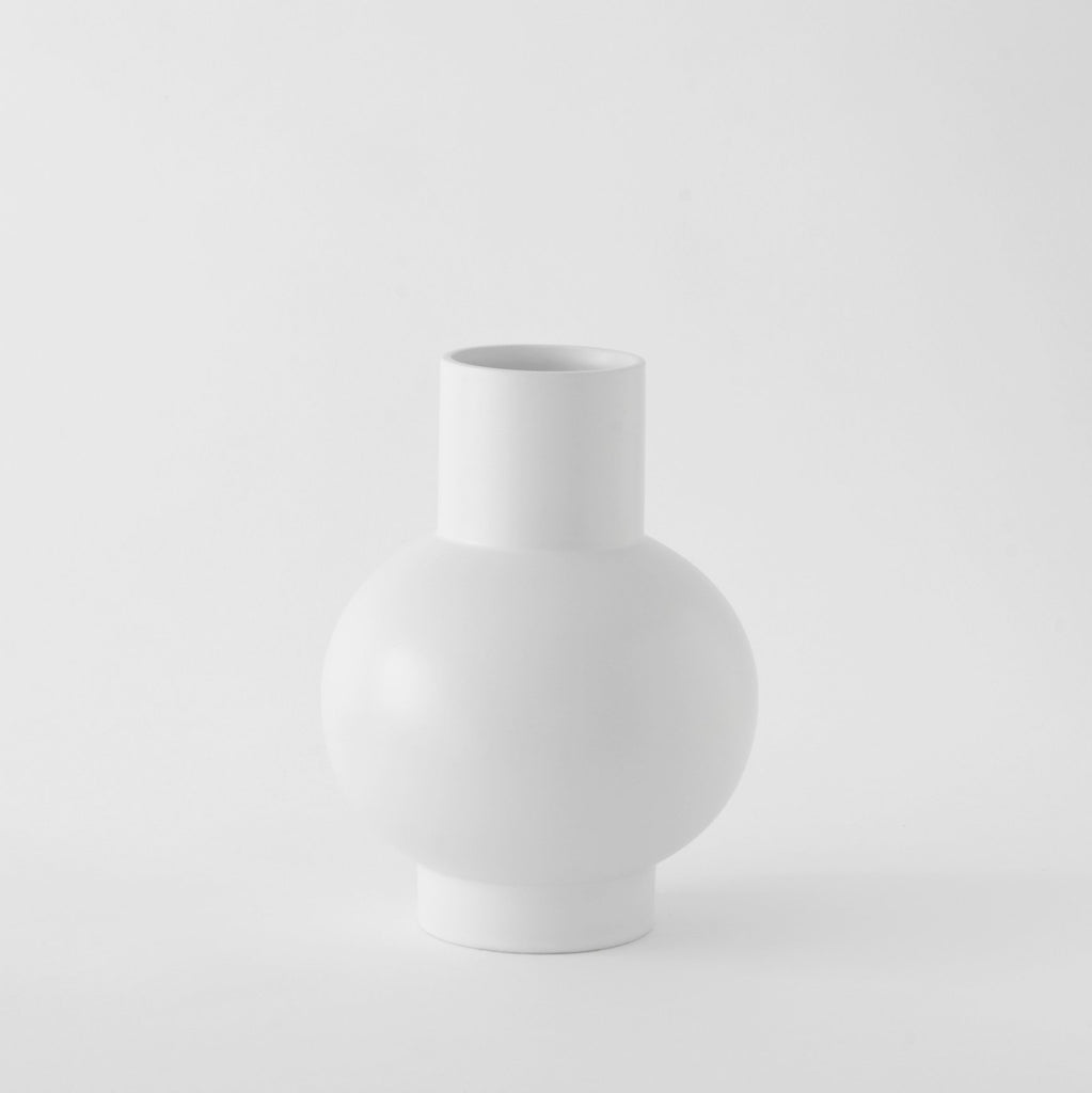 Large Vase「Strøm」Earthenware by Raawii, €82.5, RAAWII · CURATED BY EYEDS