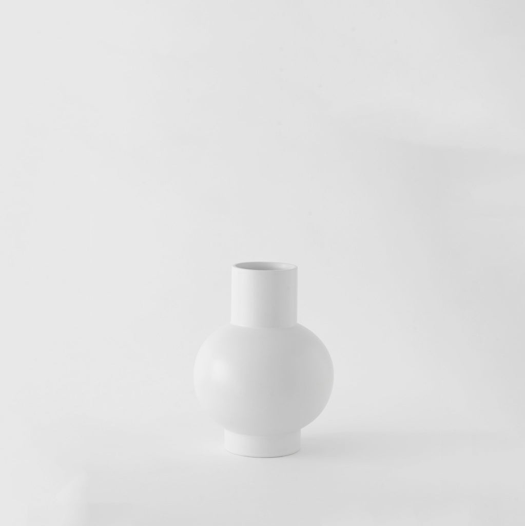 Small Vase「Strøm」Earthenware by Raawii, €50, RAAWII · CURATED BY EYEDS