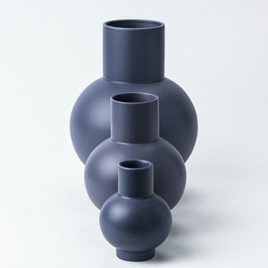 Small Vase「Strøm」Earthenware by Raawii · €50 · Home & Garden > Decor > Vases · RAAWII · CURATED BY EYEDS | eyeds.se