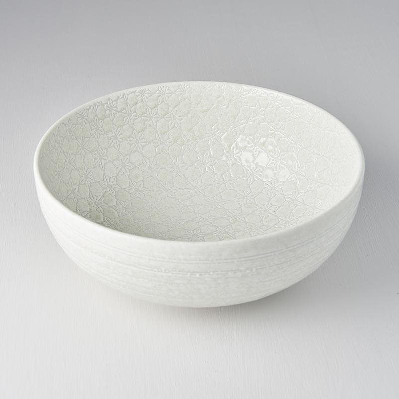 Deep Serving Bowl · White Star 24cm · €30 · Home & Garden > Kitchen & Dining > Tableware > Dinnerware > Bowls · CURATED BY EYEDS | eyeds.se
