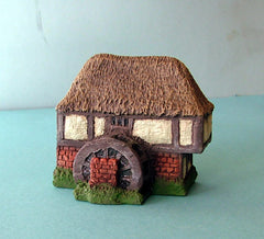 HOV5M5 Water mill half timbered with thatched roof